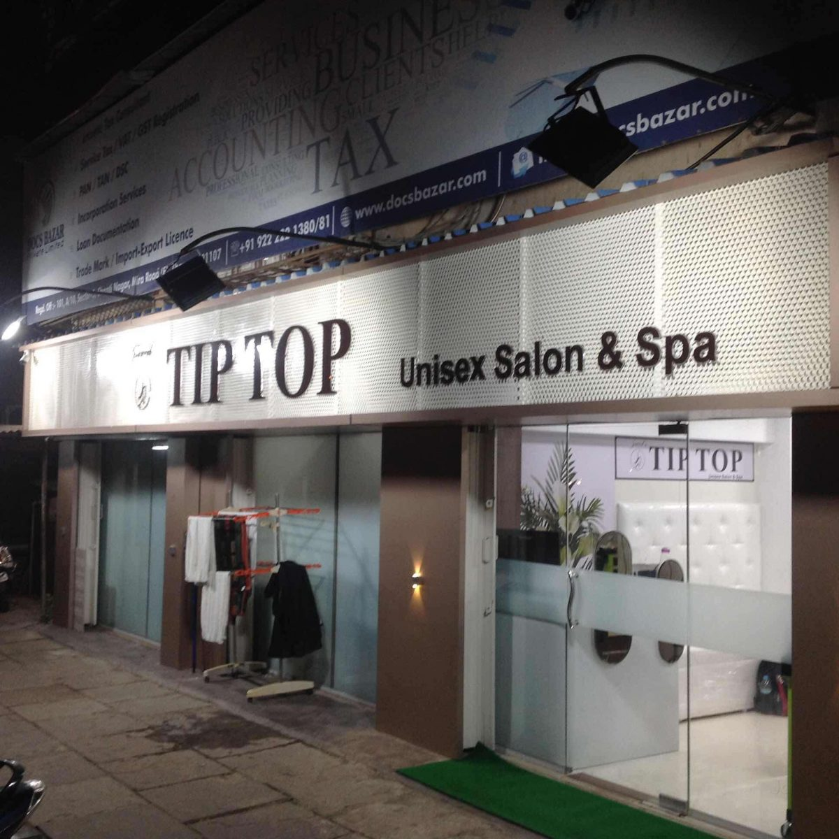 Tip Top Unisex Salon